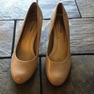 Classic nude heels